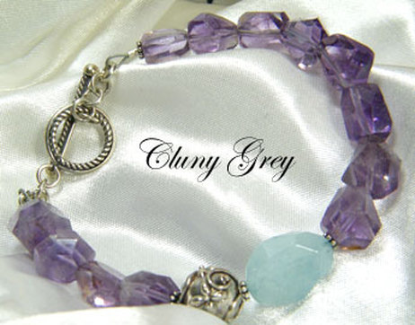 amethyst bracelet with an aquamarine nugget